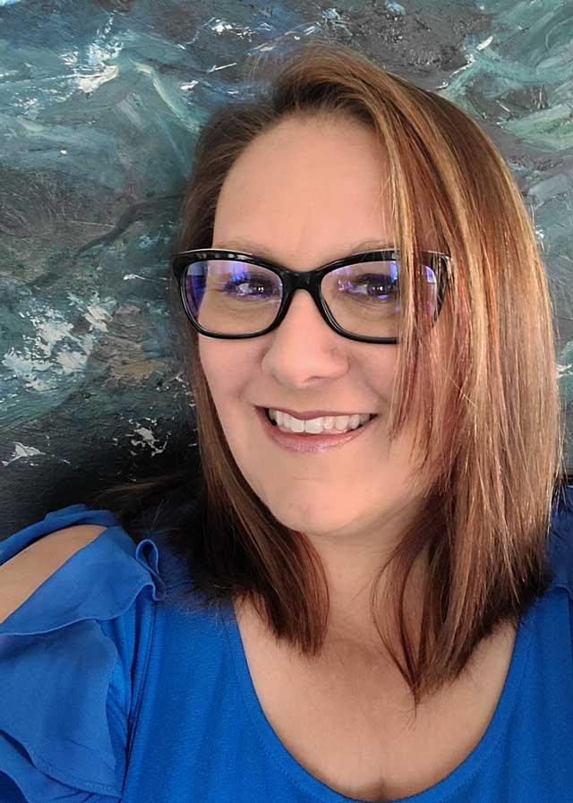 Theresa Rademacher Headshot